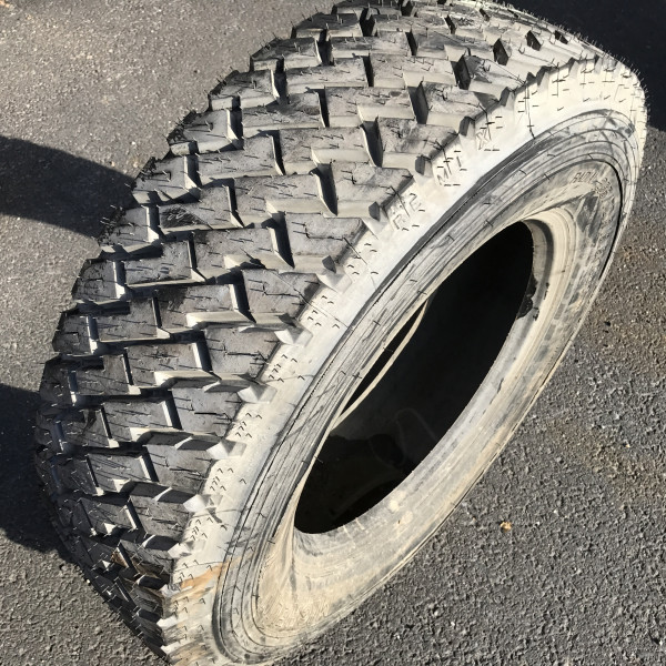 Heavy weights 265/70R19.5 Michelin Remix XZT                           136                              M                   Regional