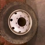 10R22.5 Michelin XZY                               144                              K                   Heavyweight wheel
